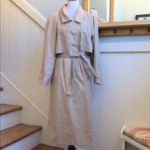 Christian Dior New York Iconic Trench Coat in Tan